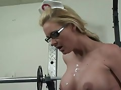 Busty nurse horny on doctors