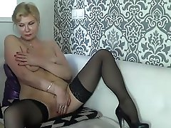 mature stockings cam show