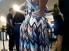 Big jiggly booty in sundress showoff