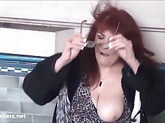 Mature voyeur amateurs masturbating and spy footage of old e