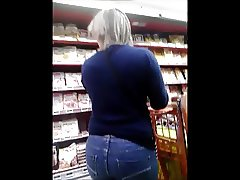 candid blond mature ass