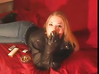 Smoking 120mm Girl in Black Leather Jacket and Gloves