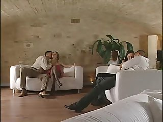 Bambola (black stockings) e Valentona foursome sex