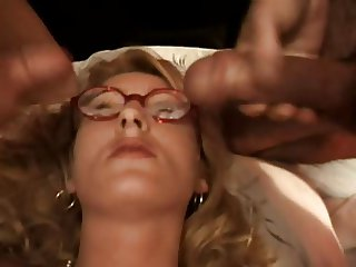 MILF IN GLASSES JEANETTE DP