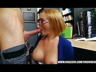 Krissy Lynn wants some cum on her glasses
