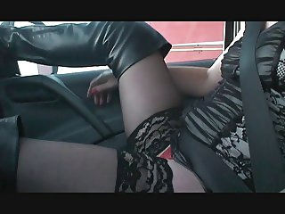 Desiree tease a truckdriver