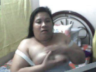 FILIPINA MOM ROWENA SOTITO FUCKING HER PUSSY WITH  FINGERS