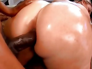 BBW wet booty in anal adventure