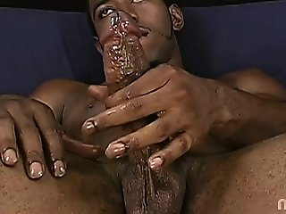 Watch Blood oil up, kick back and jerk off! If the Chris