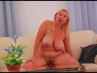 A nice and chunky milf