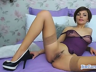 Sexy shorthair camgirl masturbates with fingers webcam chat