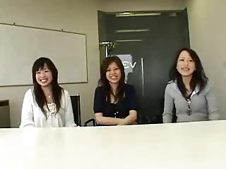 3 Japanese women watch guy masturbate