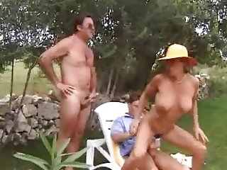 3er im Garten - Threesome in the Garden