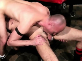 Barebacked gay dude cums tugging