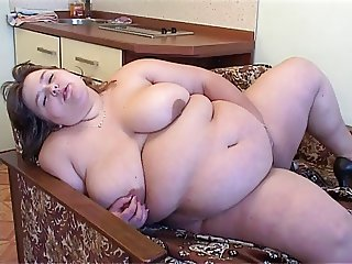 plump Annie love Double Dildo
