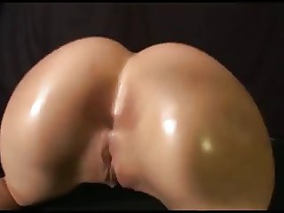 Jaw dropping ass shake