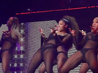 Nicki Minaj - Feeling Myself - Live in Brussels