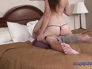 Evelyn Castile - Wakes up Grandpa to Fuck