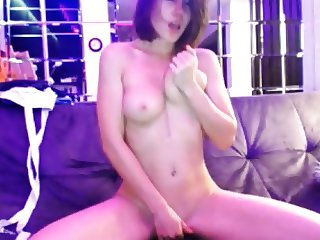 Stunning Cam Girl Fingers To Orgasm