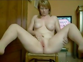 BLONDES WIFE MASTURBATE TO ORGASMS