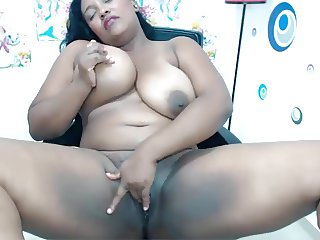 BBW Columbian Masturbates and Squirts