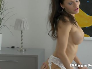 Harper gets her 18 year old pussy