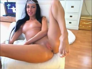 Hot Latina Girl Playing Solo At Home For More - Www.cutegirlsonline.com
