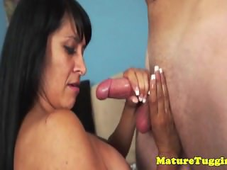 Tugging cougar housewives bigtits get cumshot