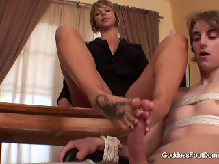 Briana Beach Footjob Domination