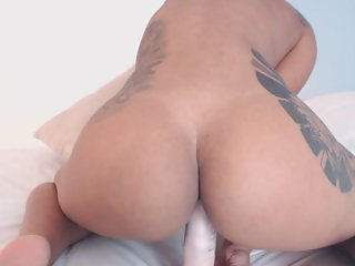 Indian Twerk - Blue jean pussy twerk webcam