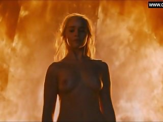 Emilia Clarke -Naked in Public, Topless - Game of Thrones s06e04 (2016)