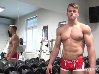 Rokas: Muscles pushed to the Limit