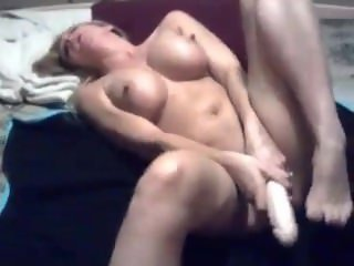 Sexy MILF Squirts During Real Orgasm