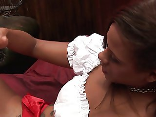 Keisha Kane enjoys the feeling of having fingers rub against her walls