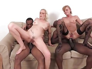 2 old whores analsex with 2 black cocks