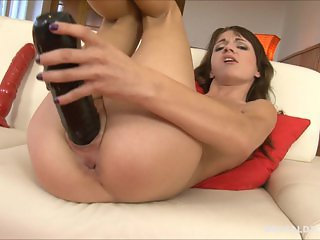 Brunette beauty Aimee Ryan pussy gaped by big brutal dildos