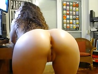 Big round ass puffy nipples dildo fingering shaved pussy