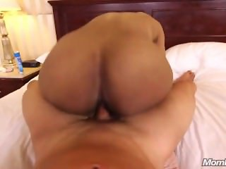 Deja - Ghetto Booty Black MILF
