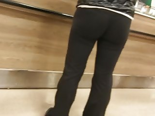 Visible thong line shopping standing in line