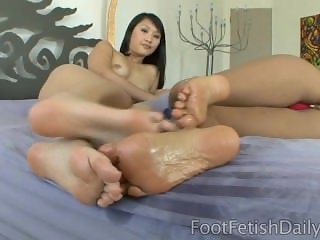 Evelyn Lin and Bossy Delilah Feet