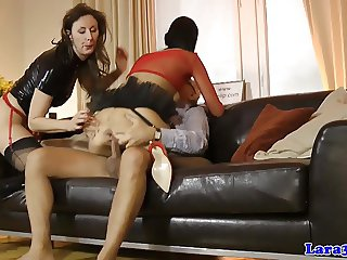 Glamour milf licks cum of assfucked eurobabe