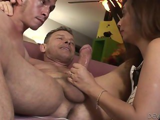 Huge dude is feeding husband and wife with his fat rod...