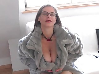 Busty Tina - (Fake) Fur (SC please don't delete)