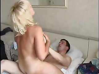 Russian Milf morning sez