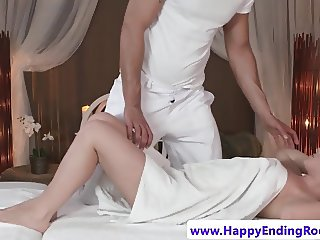 Beatiful wam babe pussyfingered by masseur