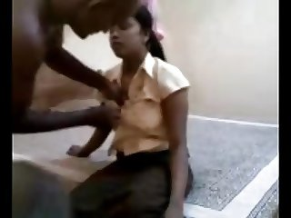 Sweet and busty Sri Lankan girl can suck and fuck well