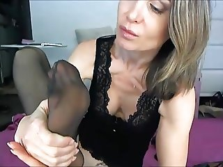 christina suck her nylon feet and fuck ass