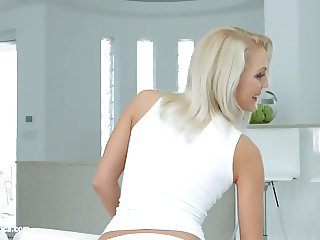 Cecilia Scott and Blue Angel - lesbian scene by SapphiX