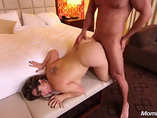 Thick Busty Amateur Latina MILF POV Sex