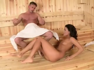 Melanie Memphis the Wild Hungarian Beauty 7 days of pleasure - Scene 7